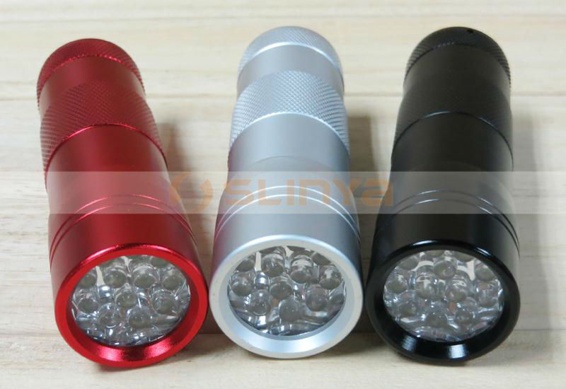 Pet Urine Detector 360nm Wave 395nm 12 LED UV Metal Flashlight