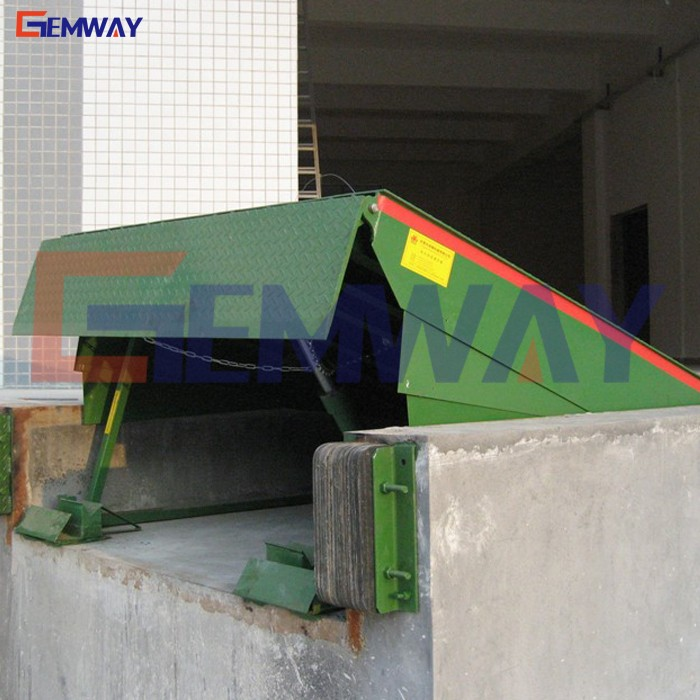 Good stability stationary loading hydraulic dock leveler ramp for container