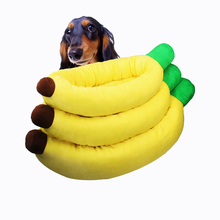 RoblionPet Hot Sale Pet Banana Shape Short Plush Sofa Bed Warm Cushion Wholesale Dog Beds With Cover