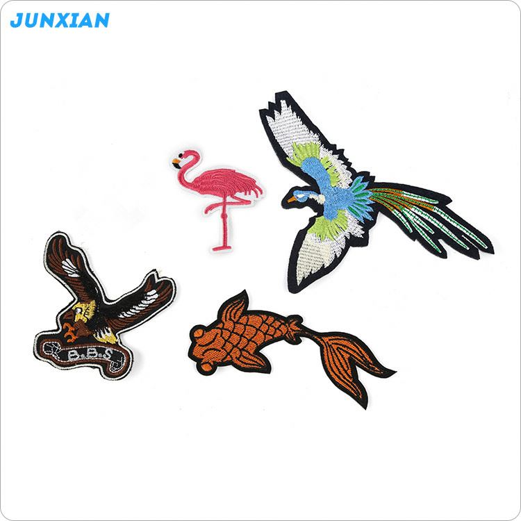 Top fashion attractive style embroidery animal patches for cloth