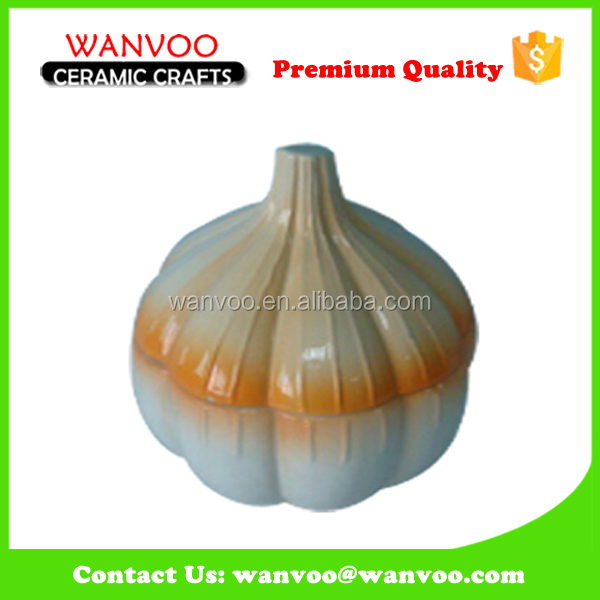 Ceramic Garlic Sharp Salt and Pepper Shaker For Promotion