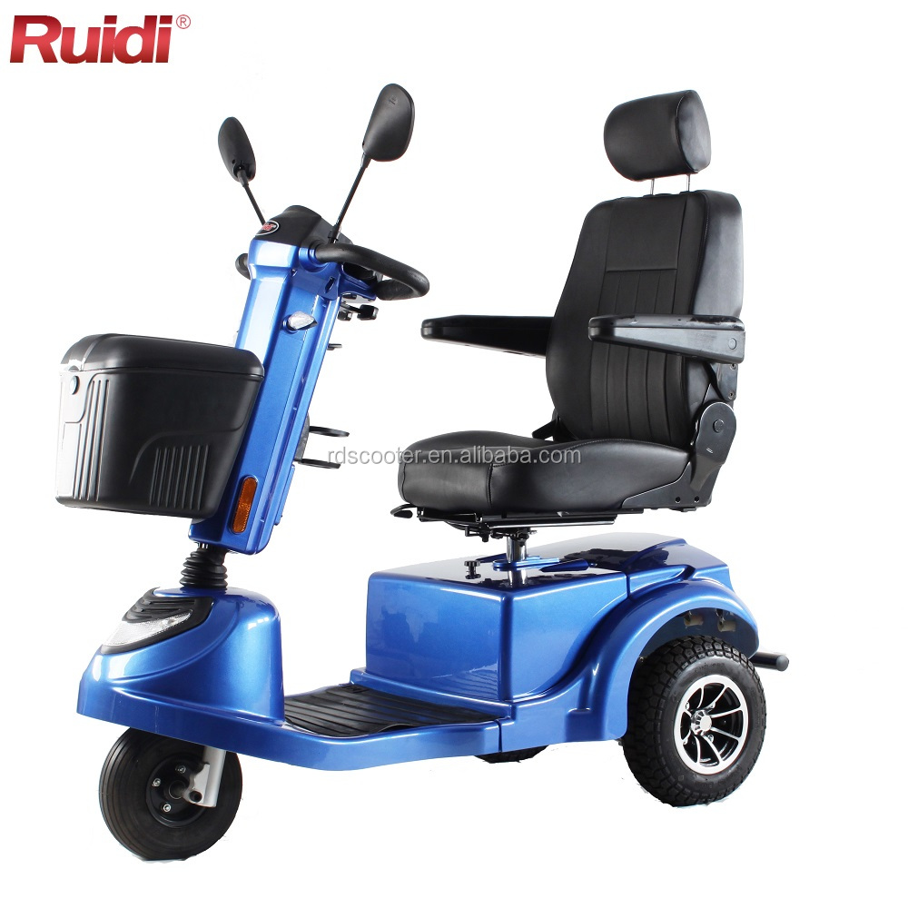 Digital display three wheels scooter T4-S electric mobility scooter for senior