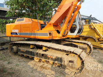 Used Excavator Hitachi EX200-1