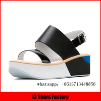 Fashion beautiful comfortable molded footbed lives sandals and sleepers international famous brand shoes