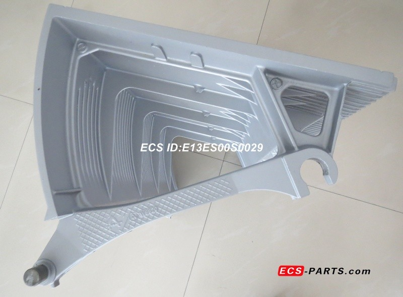 Replacement escalator step for thyssen 1000mm grey Silver w/o demarcation & step rollers