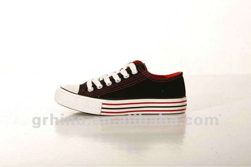 simple stylish men and women canvas vulcanized shoes