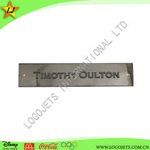 High quality long duration time Iron Material lapel pins for carved