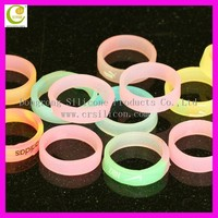 Hot selling fashion blue imperial crown colorful silicone wedding ring