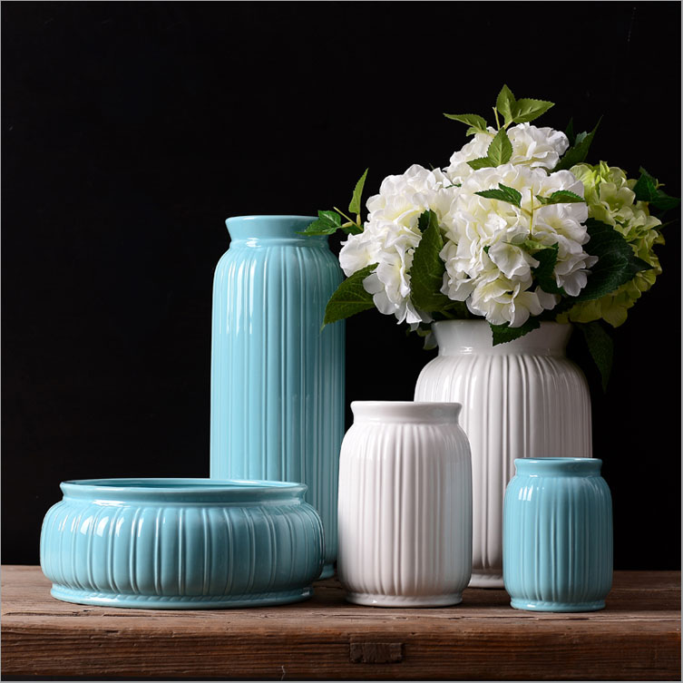 Quality white and blue ceramic types of flower vase for home decoration