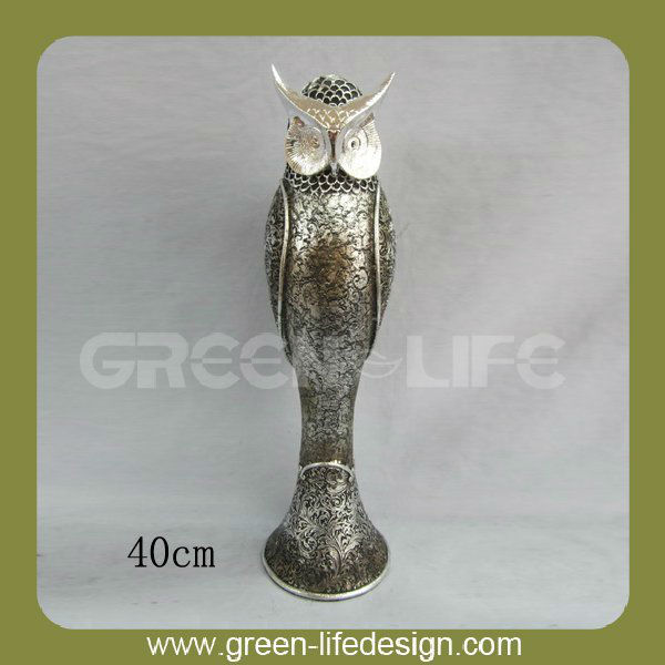 Large polyresin owl statues 15.8''
