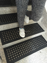 Decorative black 12mm rubber mat for stairs