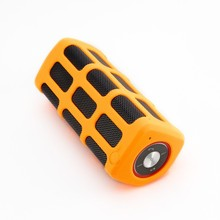 Stylish mini music car speaker manual bluetooth speaker with high quality big battery capacity loud voice V4.0 CSR chip