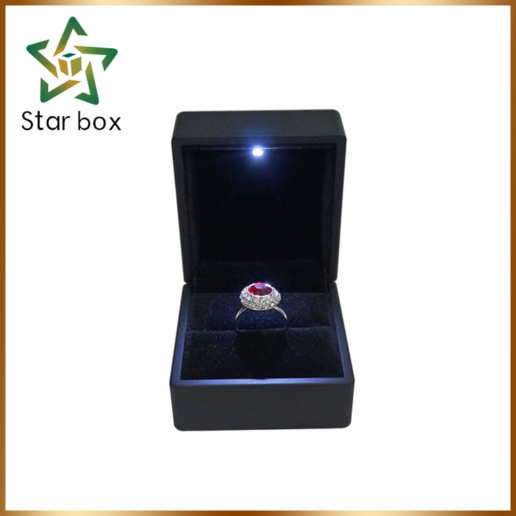 Antique led jewelry box wood custom made MDF ring box with led light