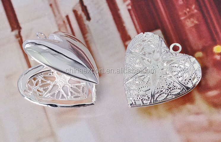 Heart shaped photo silver frame locket pendant