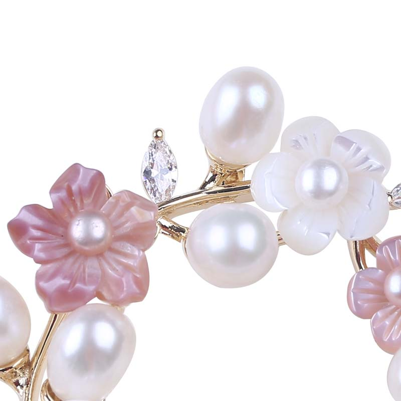 Freshwater pearl elegant ladies flower brooch