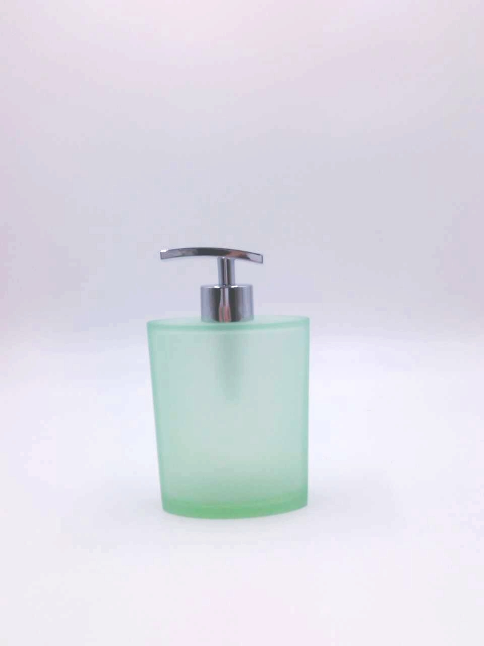 China Shenzhen Factory Translucent Light Green Matt Frost Resin Bath Set for Home and Hotel new arrival 2019