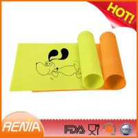 RENJIA silicone pet food mat dog beds mats dog crate mat