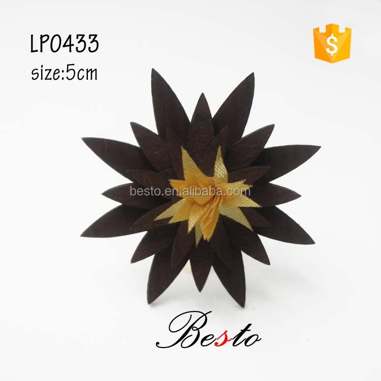 Factory wholesale unique angular fabric flower center custom wooden flower brooch with clutch pin for suit wedding decoration