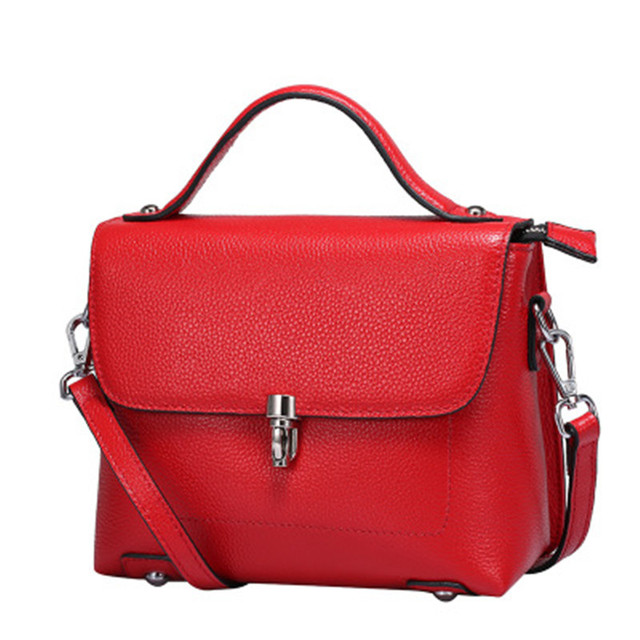 China Factory Wholesale Free Custom LOGO Genuine Leather Fashion Leather Bags Sling Bag Made in Korea