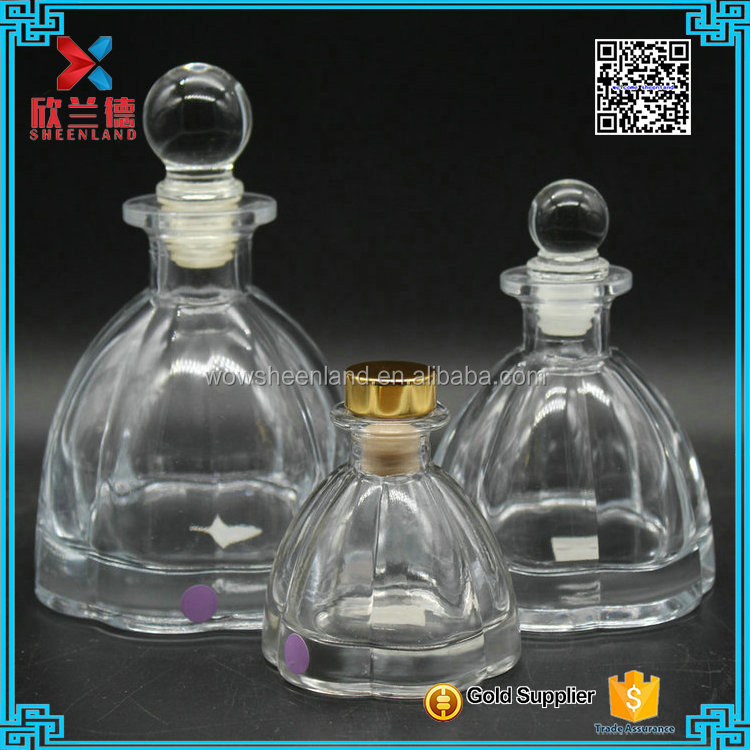 50ml, 125ml ,250ml flower shape aroma diffuser glass bottle with cork