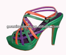 Woman strappy leather sandal AM054