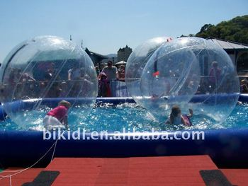 inflatable pool with water balls D2019