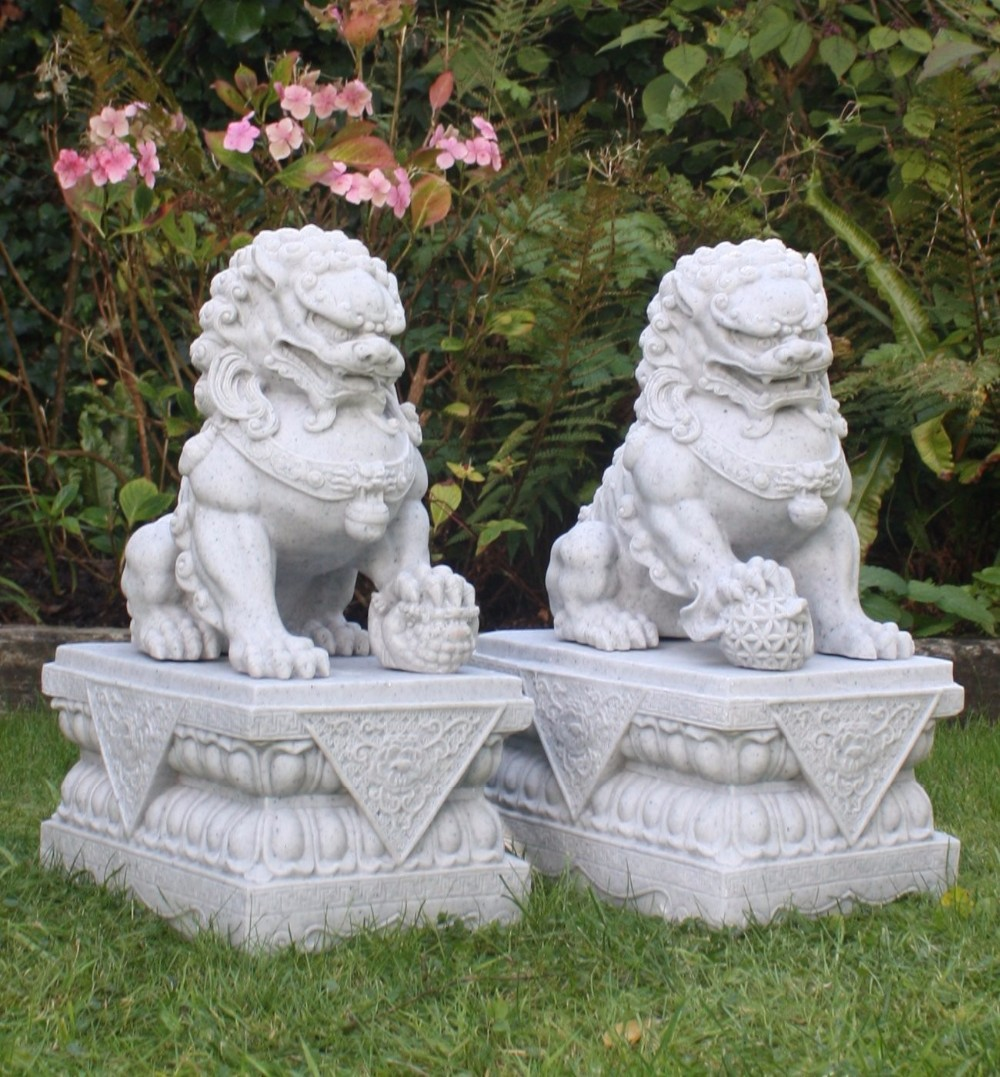 Charmant Fu Dog Statues (2)