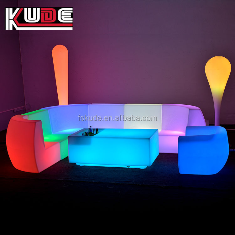 indoor and outdoor gardent wedding events furniture LED plastic sofa set