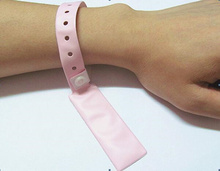 Disposable rfid tag uhf wristband tag for medical healthcare baby / patient tracking