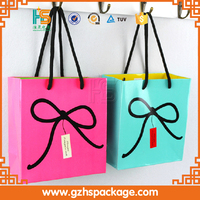 Custom recyclable paper gift bags with logo cosmetic paper bags with handles