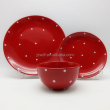 Fashionable high quality polka dot design round shape solid color stoneware ceramic dinner set