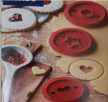 Plastic three shape cookie cutter