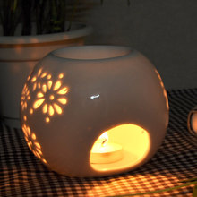 Pierced Small Ball of White Porcelain Oil Burners for Aromatherapy Candle Ceramic Oil Burners