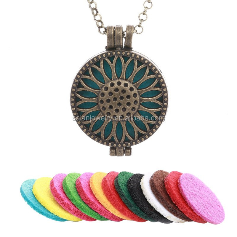 Diffuser pendant oil diffuser locket perfume engagement necklace in hollow out women's clothing accessories