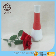 Elegant On-glazed Garden Flower Red Pot