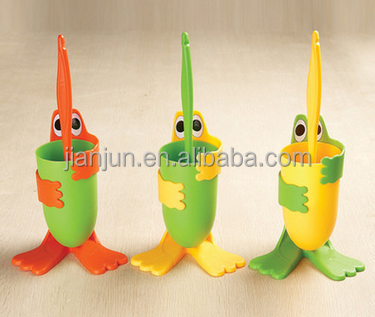 Cartoon frog design colorful child-friendly plastic toilet cleaning <strong>brush</strong>