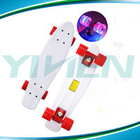 Cruiser skate with led wheel,Retro plastic board