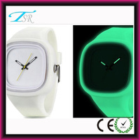 Shenzhen factory promotional jelly watch with silicone wristbands waterproof watches