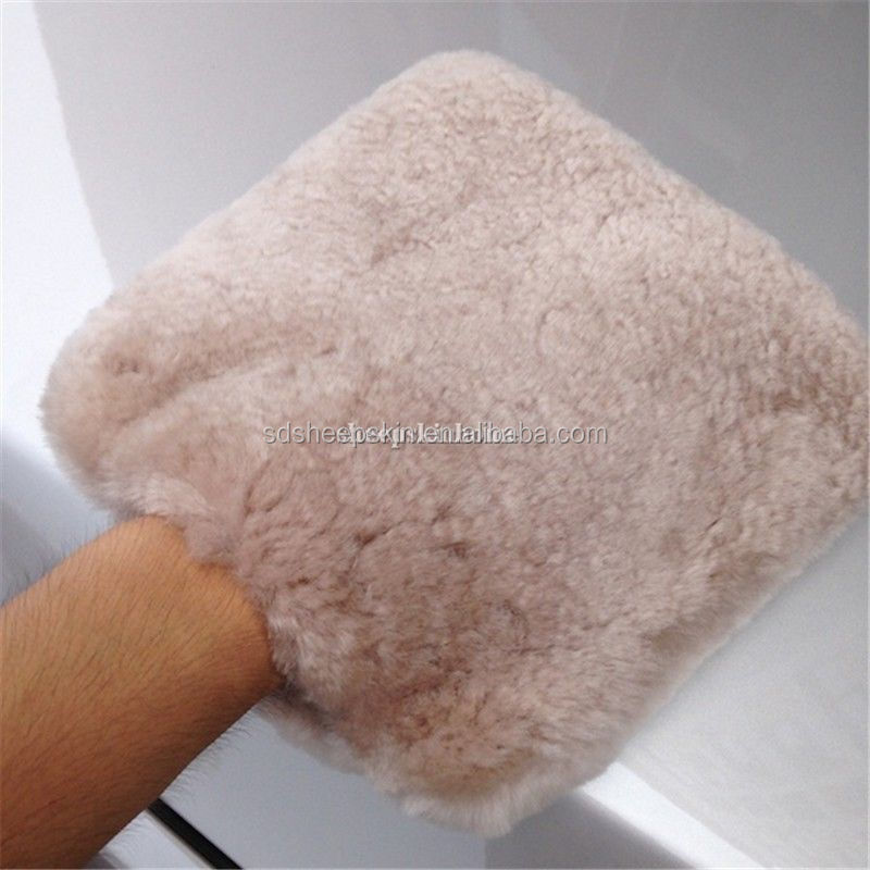 durable and good quality sheepskin wash mitt,popular for regular clients