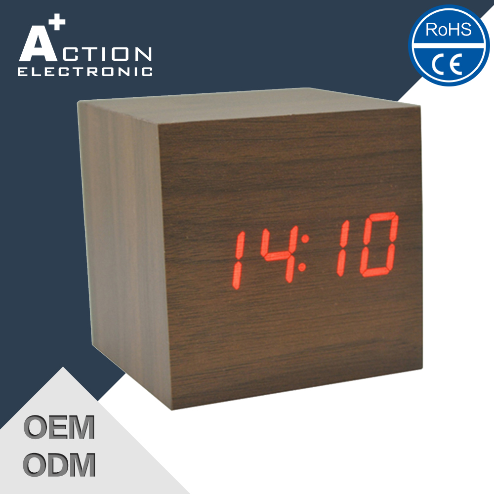 2016 Modern sensor digital led wood alarm table clock
