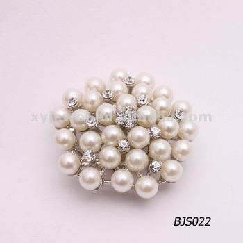 Wholesale fashion pearl bulk brooch from yiwu jewelry factory rhinestone brooch