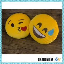 Hot selling good quality emoji neck pillow