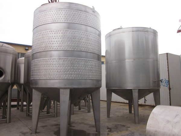 wine fermentation tanks