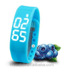 High promotion Time/calorie/3D pedometer/Temperature/Sleep Monitor silicone smart watch