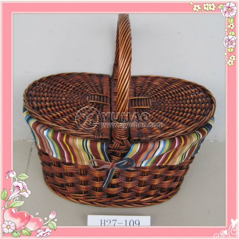 Natural Hand Woven Empty Wicker Picnic Basket With Handle And Lid