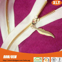new gold chain design custom metal zipper pull for wedding dress