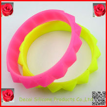 Hot selling cheap silicone wristbands free shipping,personalized rubber wrist bands,digital clock promotional gifts wristbands
