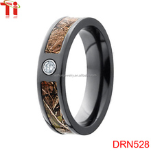 Hot sale charm black engagement titanium ring inlay ziron for women