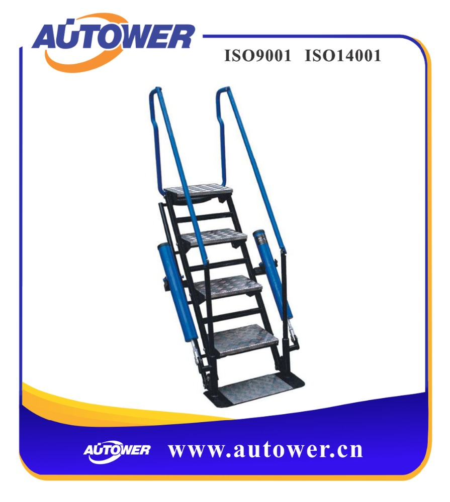 Anti - corrosion and durable movable platform ladders