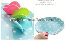 FDA/LFGB 2013 hot sell mini silicone butterfly cast iron flower pot holder